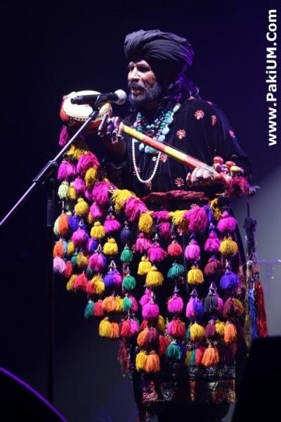 sain-zahoor-performed-in-warsaw-poland-at-skrzyzowanie-kultur-festival (22)
