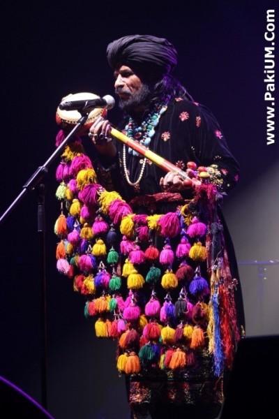 sain-zahoor-performed-in-warsaw-poland-at-skrzyzowanie-kultur-festival (24)