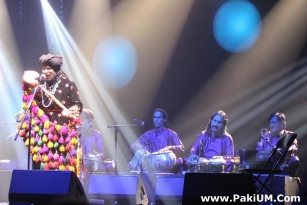 sain-zahoor-performed-in-warsaw-poland-at-skrzyzowanie-kultur-festival (36)