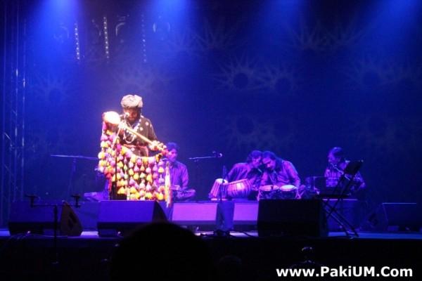 sain-zahoor-performed-in-warsaw-poland-at-skrzyzowanie-kultur-festival (39)