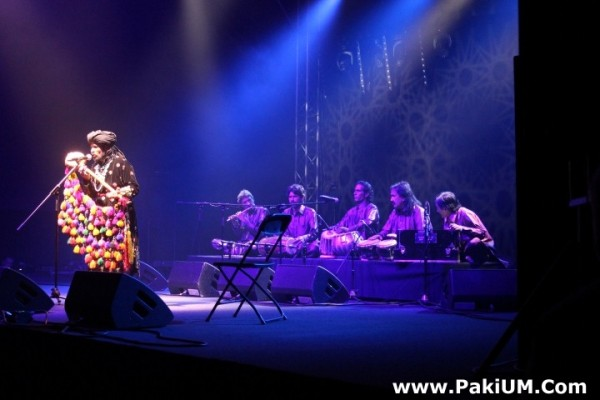 sain-zahoor-performed-in-warsaw-poland-at-skrzyzowanie-kultur-festival (48)