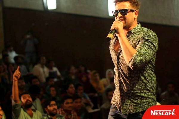 adnan-of-soch-performing-at-one-of-the-audition-sessions