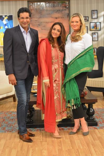 Waseem Akram Shenira Nadia Khan Show (4)