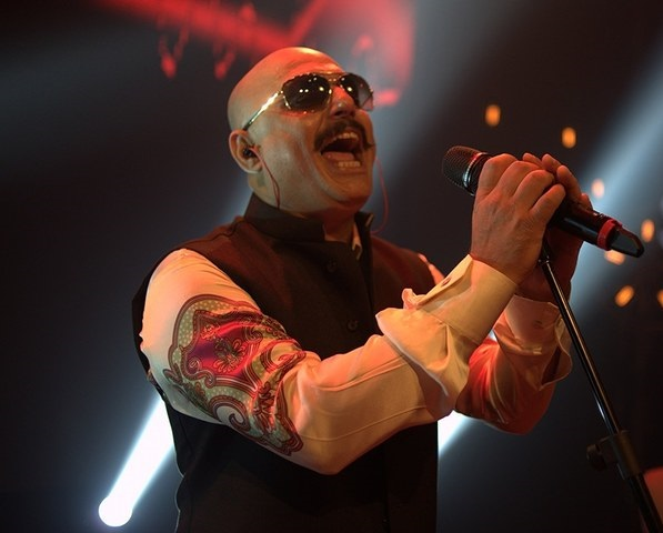 ali-azmat-to-perform-at-a-fundraising-concert-for-the-islamabad-based-branch-of-pakistan-sweet-homes (1)