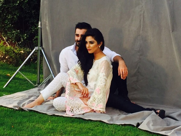 maya-ali-and-hamza-ali-abbasi-faces-of-the-maria-b-lawn-campaign (3)