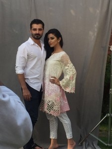 maya-ali-and-hamza-ali-abbasi-faces-of-the-maria-b-lawn-campaign (5)