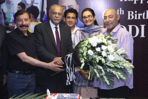 lahore-qalandars-celebrate-their-icon-player-mudassar-nazars-60th-birthday