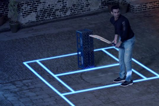 shoaib malik playing pinball cricket